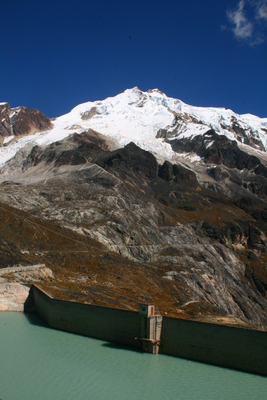 huayna potosi, picture 2: huayna potosi (from base camp). click on the image to go to the next picture